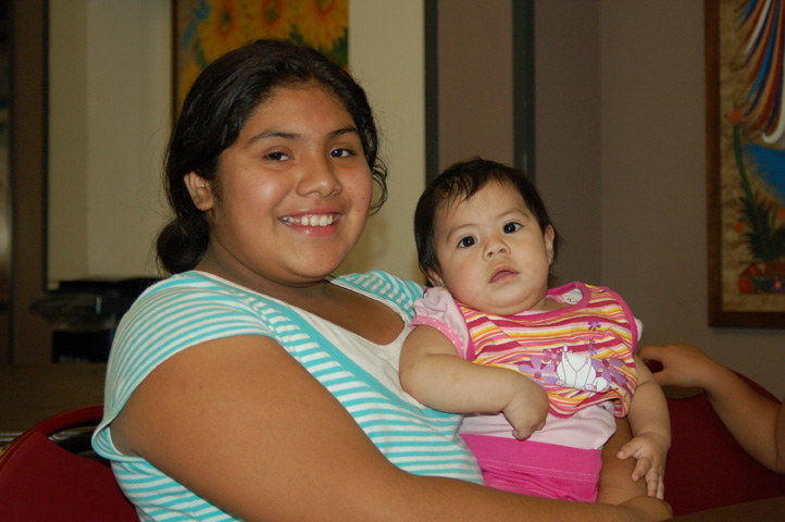 resources__young_latino_mom__baby_DSC_0035.JPG